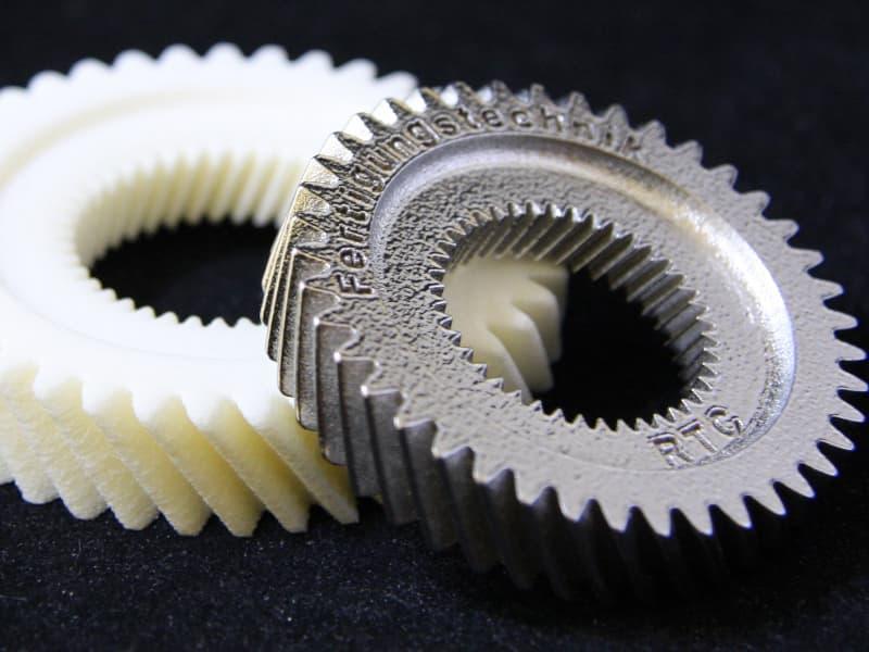 plastic-metal-800-600-min